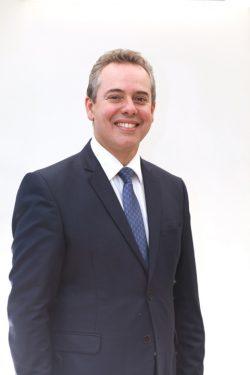 Dr. Ricardo Alkmim Teixeira